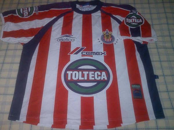 aba84892a2c Chivas de Guadalajara Home Maillot de foot 2001 - 2002.