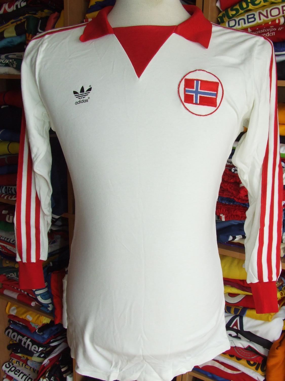 Norway Away Maillot de foot 1979 - 1980. 306b89008