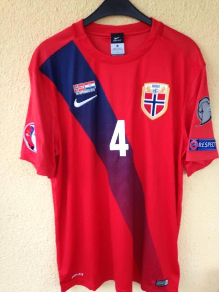 Norway Home maglia di calcio 2015 - 2016. e7c795ed7