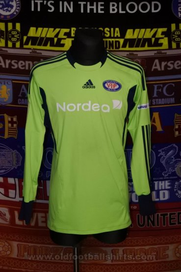 Vålerenga Goalkeeper football shirt 2011 - 2012