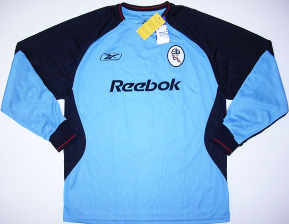 http://www.oldfootballshirts.com/img/shirts/5/bolton-goalkeeper-classic-for-sale-football-shirt-2003-2004-s_11606_1.jpg
