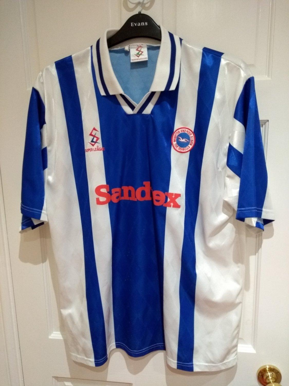 baf9c0250e Brighton & Hove Albion Home camisa de futebol 1997 - 1998. Sponsored ...
