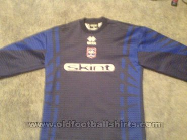 Brighton & Hove Albion Goalkeeper football shirt 2000 - ?