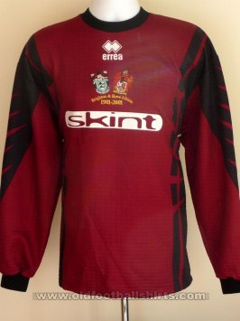 Brighton & Hove Albion Goalkeeper football shirt 2000 - 2002