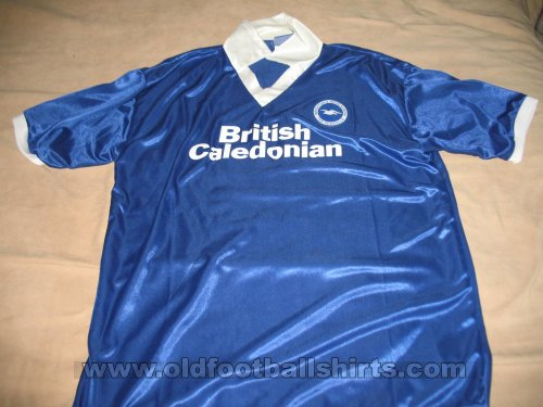 Brighton & Hove Albion Retro Replicas חולצת כדורגל 1980 - 1983