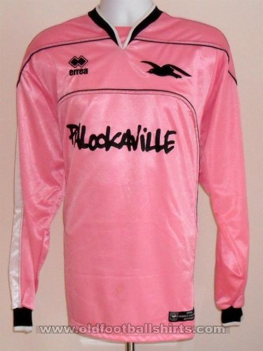 Brighton & Hove Albion Goalkeeper football shirt 2005