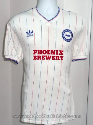 Brighton & Hove Albion Uit  voetbalshirt  1984 - 1985