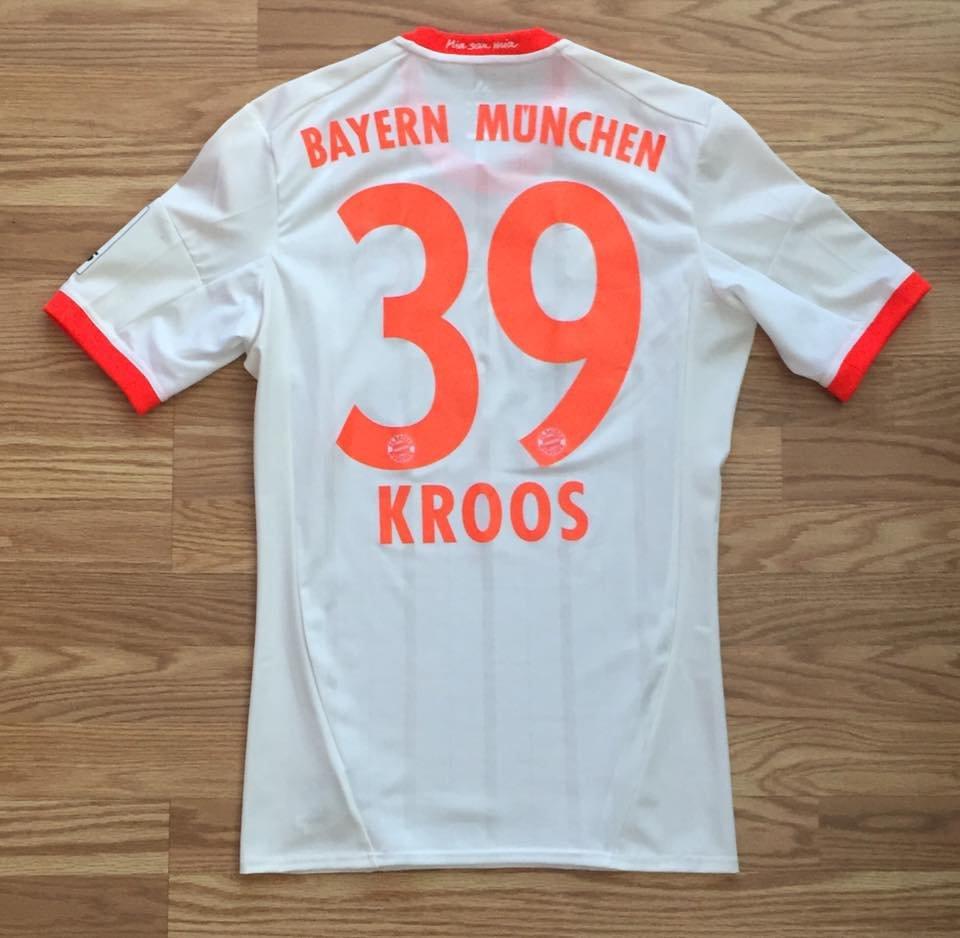 quality design b02ed 50988 Bayern Munich Away maglia di calcio 2012 - 2013. Sponsored ...