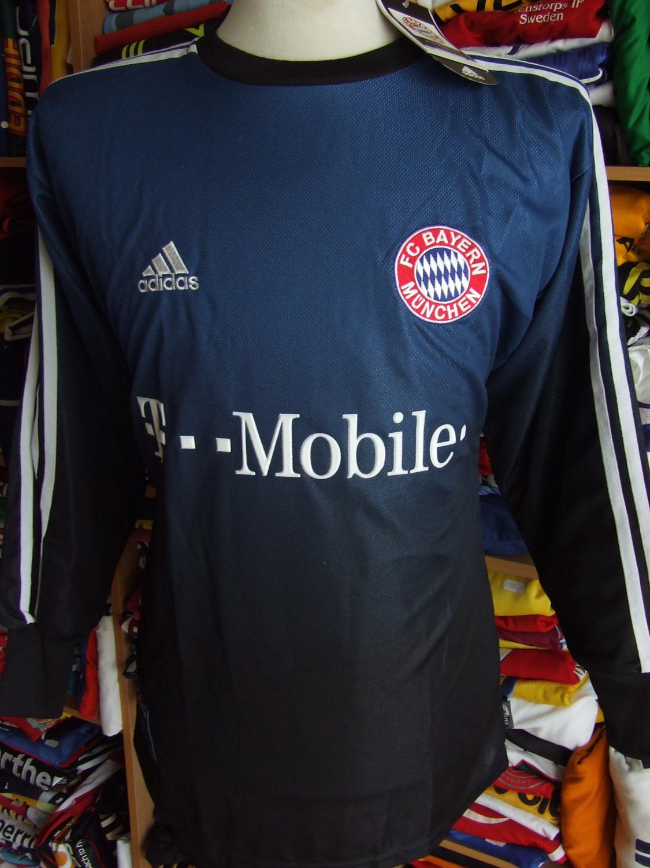 bayern munich goalkeeper football shirt 2002 2003 sponsored by t mobile. Black Bedroom Furniture Sets. Home Design Ideas