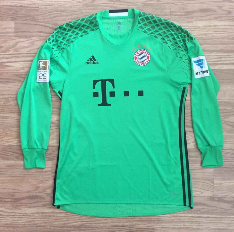 best service bb8ef abb17 Bayern Munich Goalkeeper football shirt 2016 - 2017 ...