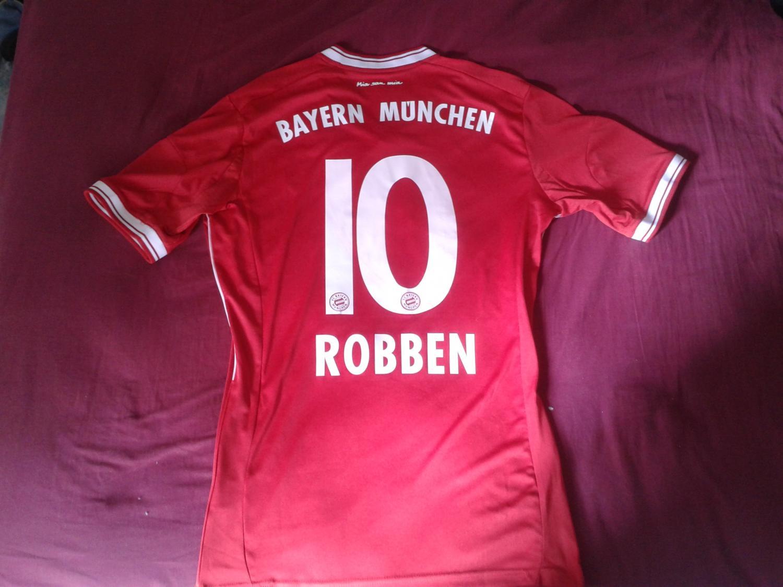 Bayern Munich Home football shirt 2013 - 2014. Sponsored by ...