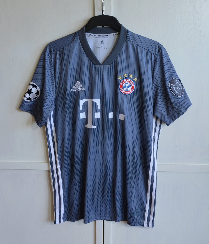Bayern Munich Third baju bolasepak 2018 2019. Sponsored by