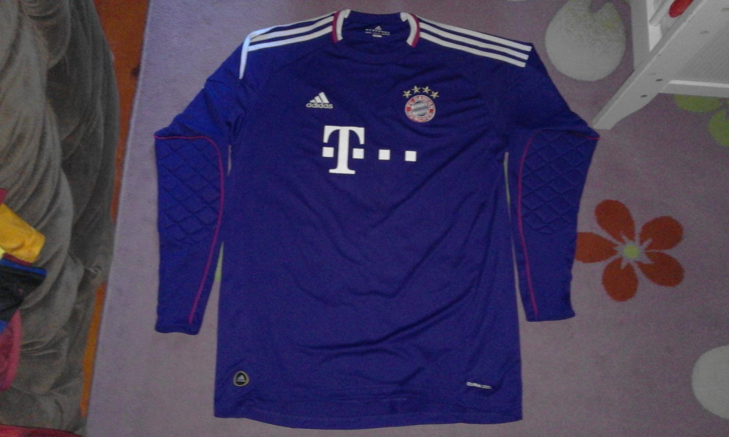 c3866463d Bayern Munich Goalkeeper Camiseta de Fútbol 2010 - 2011. Sponsored ...