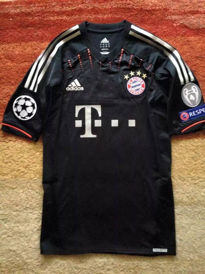 bayern munich third football shirt 2012 2013 sponsored by t mobile. Black Bedroom Furniture Sets. Home Design Ideas