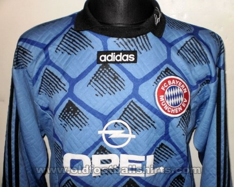 Bayern Munich Goalkeeper football shirt 1995 - 1997