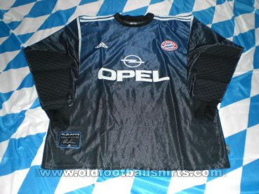 Bayern Munich Goalkeeper football shirt 2001 - 2002