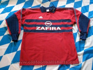 Bayern Munich Goalkeeper football shirt 1998 - 1999