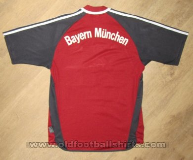 Bayern Munich Home football shirt 2001 - 2002