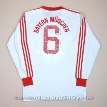 Bayern Munich Away football shirt 1982 - 1984