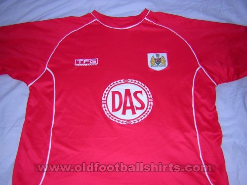 Bristol City Home baju bolasepak 2002 - 2003