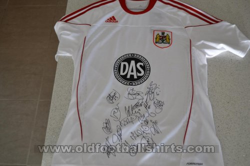 Bristol City Away football shirt 2010 - 2011