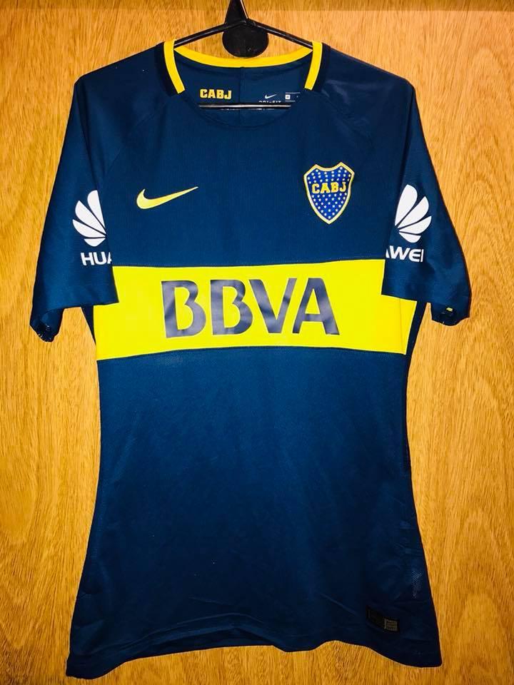 sports shoes 94c50 6ff84 Boca Juniors Home Maillot de foot 2017 - 2018. Sponsored by BBVA