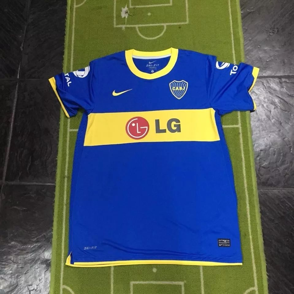 967729721cd Boca Juniors Home maglia di calcio 2010 - 2011. Sponsored by LG