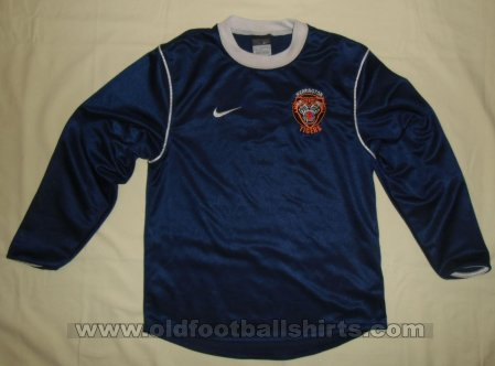 Werrington Tigers FC Home football shirt 2005 - ?