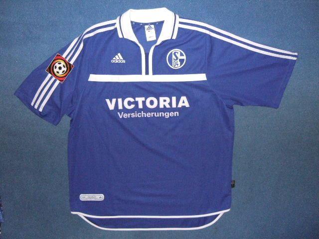 bad8686ee0a FC Schalke 04 Home maglia di calcio 2001 - 2002. Sponsored by ...