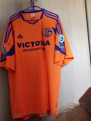 c75a6406cdf FC Schalke 04 Away Maillot de foot 2005 - 2006. Sponsored by ...