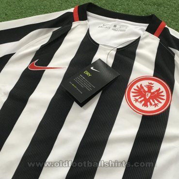 Eintracht Frankfurt Home football shirt 2016 - 2017