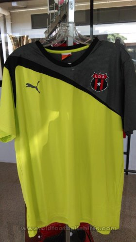 Alajuela Junior Goalkeeper football shirt 2013 - 2014