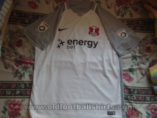 Leyton Orient Third football shirt 2017 - 2018