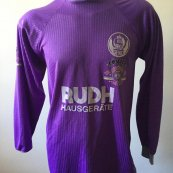 Goalkeeper baju bolasepak (unknown year)