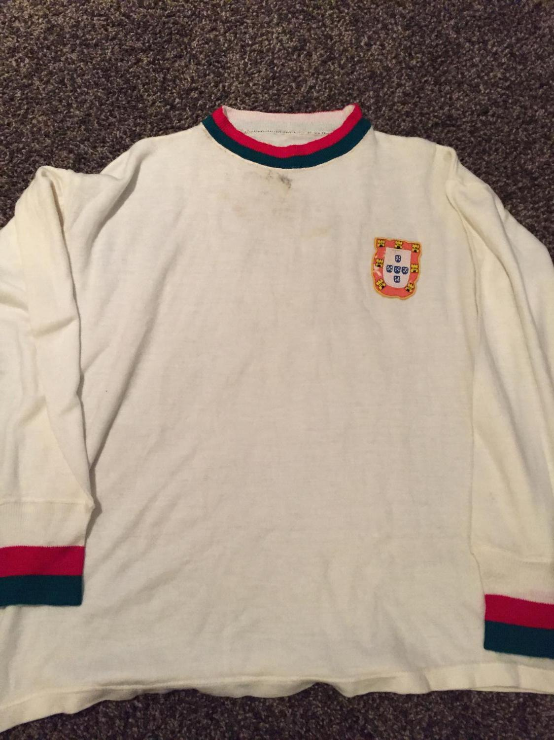the best attitude 0df0b 557df Old Portugal football shirts and soccer jerseys