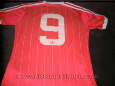 Nottingham Forest Home baju bolasepak 1982 - 1984