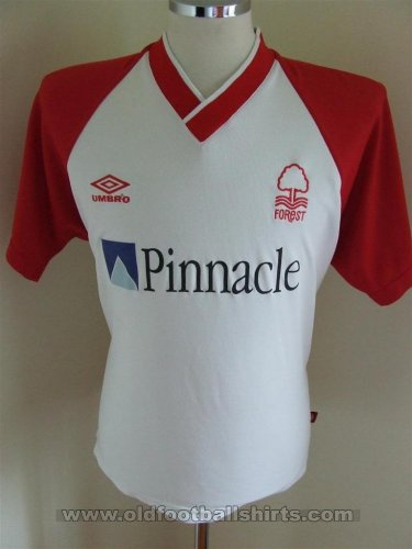 Nottingham Forest Away חולצת כדורגל 2002 - 2003