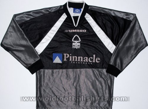 Nottingham Forest Gardien de but Maillot de foot 1997 - 1999