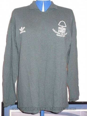Nottingham Forest Goalkeeper football shirt 1979 - ?