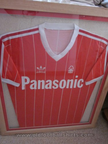 Nottingham Forest Домашняя футболка 1981 - 1982