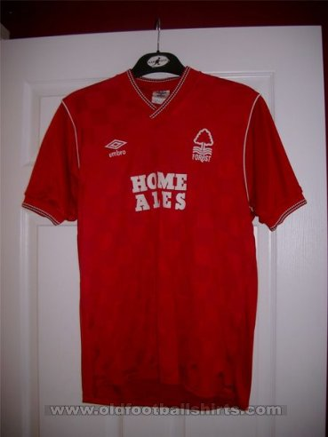Nottingham Forest Domicile Maillot de foot 1986 - 1987