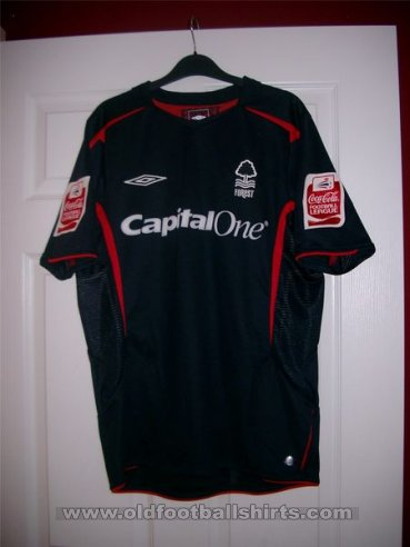 Nottingham Forest Third baju bolasepak 2005 - 2007