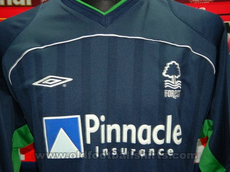 Nottingham Forest Third baju bolasepak 2002 - 2003