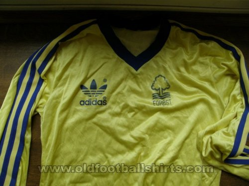 Nottingham Forest Away football shirt 1977 - 1980