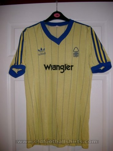Nottingham Forest Away football shirt 1982 - 1983