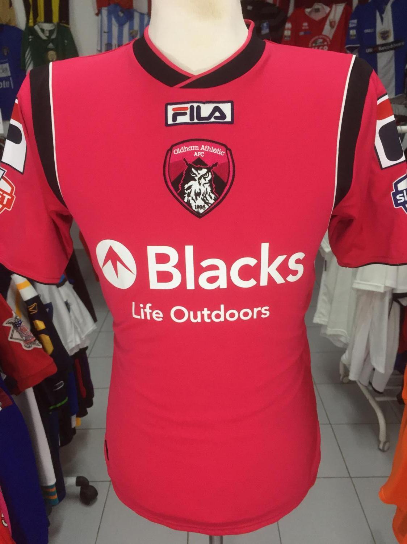 a930b2fa3bd Oldham Athletic Away baju bolasepak 2013 - 2014. Sponsored by Blacks ...