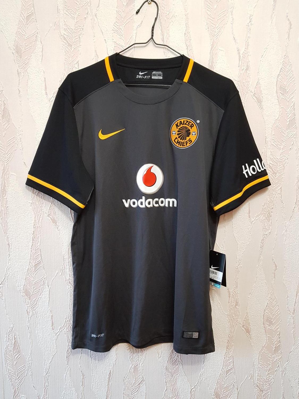 e05e3f60c Kaizer Chiefs Away camisa de futebol 2015 - 2016.