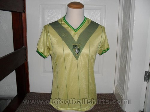 Port Vale Away baju bolasepak 1983 - 1984
