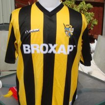 Port Vale Home Fußball-Trikots 2005 - 2006 sponsored by Broxap