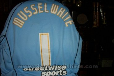 Scunthorpe United Goalkeeper football shirt 2006